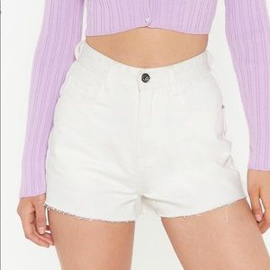 BNWT white raw hem denim shorts
